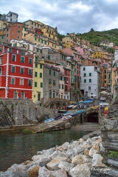 Riomaggiore, Cinque Terre www.edithlevyphotography.com
