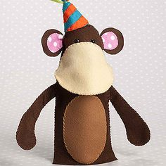 Free pattern and tutorial for felt monkey hand puppet.