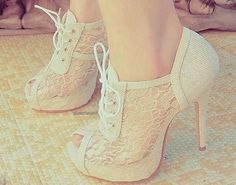 If I wore high heels I would wear these!!!