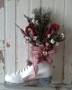 Decorated Ice Skate SALE Christmas Ice skate Wreath by 6miles, $48.00