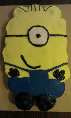 Minion cupcake cake (pull apart cake)