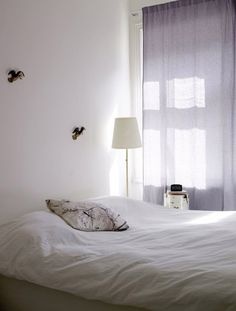 Just lovely. shades, curtains, queens, news, white, neutral rooms, violets, bedrooms, space