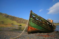 Old fishing boat wreck on Kerrera