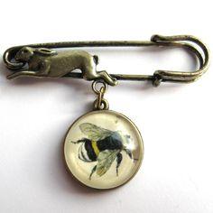 Vintage bee hare pin brooch