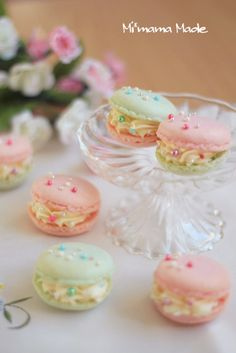 Lovely macaron cream roses with tiny pearl candy decorations!