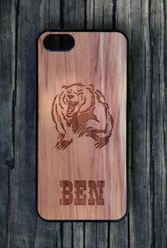 Personalized wooden iPhone cases by mini-Fab - Bear Design