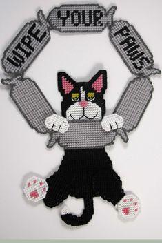 Plastic Canvas-Wipe your paws cat