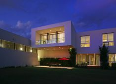 Contemporary Home in Miami Beach, Florida