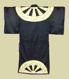 "Japanese tradition design. ""Kuruma"". Kabuki's kimono. 黒地源氏車文様着付."