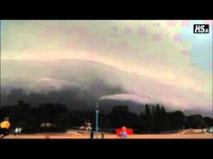 ▶ Super creepy sounds in the sky during a storm in Finland! - YouTube