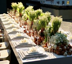 Drop-Dead Gorgeous Wedding Flower Ideas from Jeff Leatham. To see more: http://www.modwedding.com/2014/05/09/gorgeous-wedding-flower-ideas/ #wedding #weddings #reception #centerpiece