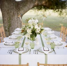 Preppy Green and White Tablescape | photography by http://www.abryanphoto.com/