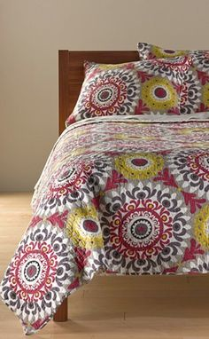 pretty quilt http://rstyle.me/n/jszxhr9te