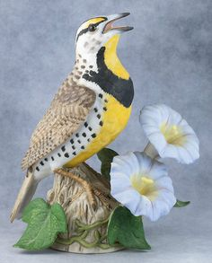 Lenox Porcelain Bisque Garden Birds Western Meadowlark Bird Figurine 1992