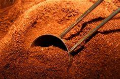 Plants that like coffee grounds