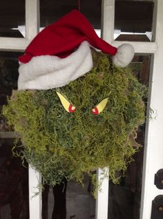 Grinch Christmas Wreath. Lots of neat wreath ideas using the same burlap wreath base & changing out decorations for each season/holiday