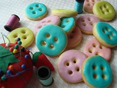 Button Sugar Cookies #lalaloopsy party cookie idea