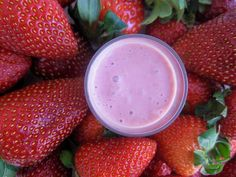 Liquid Strawberries and Cream for dessert anyone? This is another favourite on the website. It is just so simple and delicious. Oh, where would we be without cashews. They do such an amazing job of replicating dairy in smoothies. Oh, show me the way to heaven with a smile on my face.