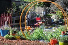 Circular ladder trellis (Gracie Modern Arbor) When a trellis becomes art.