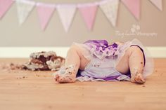 Adorable smash cake photos!