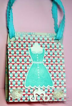 Such a clever idea to use the SU Pop 'n Cuts Base die to make a purse gift! From Betty's blog: Kitty Stamp: Card Base Pop 'n Cuts Purse