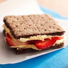 Strawberry-Chocolate Graham Sandwich