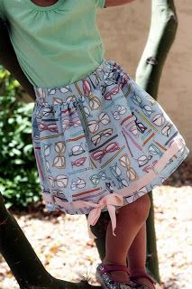 A Couple of Craft Addicts: Sunglasses Skirt