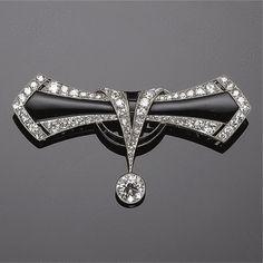 Gold, diamond, and platinum brooch