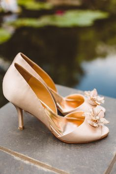 champagne wedding heels, photo by Mary Margaret Smith http://ruffledblog.com/birmingham-botanical-gardens-wedding #weddingshoes #shoes