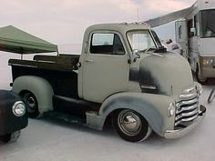 Another pic of this sweet little Chevy COE