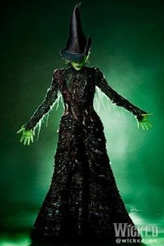 SUCH a beautiful dress! There needs to be a broadway museum where there's a display with all the Elphaba's act two dresses! like the first ladies' dresses at the american history museum, so we can see like their height and stuff, maybe throw in their witch hat and brooms, and maybe have the same with all the glindas' bubble dresses <3