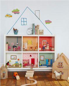 #DIY Bookcase Dollhouse