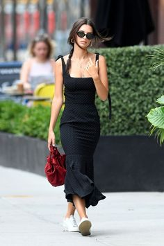 Emily Ratajkowski's Dress and Shoe Combo Couldn't be More London