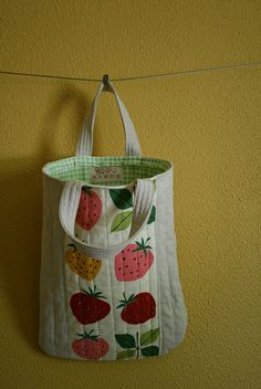 Strawberry quilt bag -- i have a thing for strawberries!