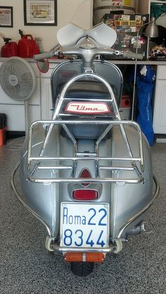 Few scooters look as good from the rear as a Vespa GS.