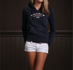 Adorable simple Hollister outfit