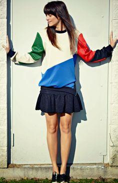Colour block sleeves sweatshirt with zip detail.#colour #fashion #zipper