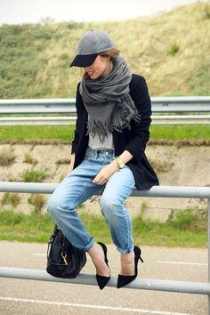 Blazer, heels, cap