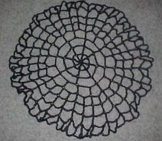 SPIDERWEB TABLE TOPPER - free crochet pattern