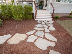Love the winding paths at Blog Cabin 2013? Here's how to  create your own >> http://www.diynetwork.com/blog-cabin/how-to-create-a-winding-path/pictures/index.html?soc=bc