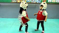 LOL Two cute little asian girls fight