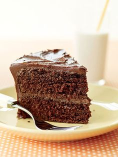 Chocolate Cake Recipes **** A chocolate lover's dream cake. Fill and frost the chocolate cake with a cooked chocolate frosting that tastes just like fudge.