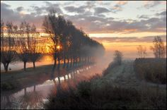 35PHOTO - Johny Hemelsoen - The colors of the morning.