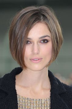 This is the length in front I would love to have my haircut to.  It's a lovely bob shape.