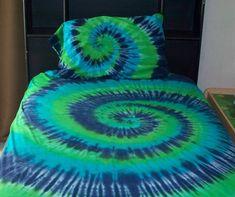 Tie Dye Sheets cool bed sheets, tie dye bed sheets, things to tie dye, big boy bed, tie dye crafts, bed designs, diy tie dye sheets, tiy dye