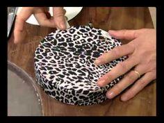 Mulher.com 31/08/2011 - Caixa de presente redonda