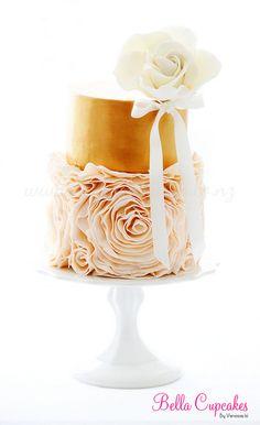 Rosette Ruffle Cake cakewed idea, color gold, ruffle rosette cake, cake peach, birthday idea, amaz birthday, ruffle cake, ruffled cakes, peaches