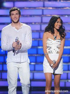 Phillip Phillips and Jessica Sanchez look great in white at the Season 11 Finale.