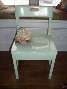 DIY:: So Many Uses (Projects) For Upcycling Old Chairs !