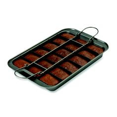 This pan makes 18 perfectly sliced brownies! #baking